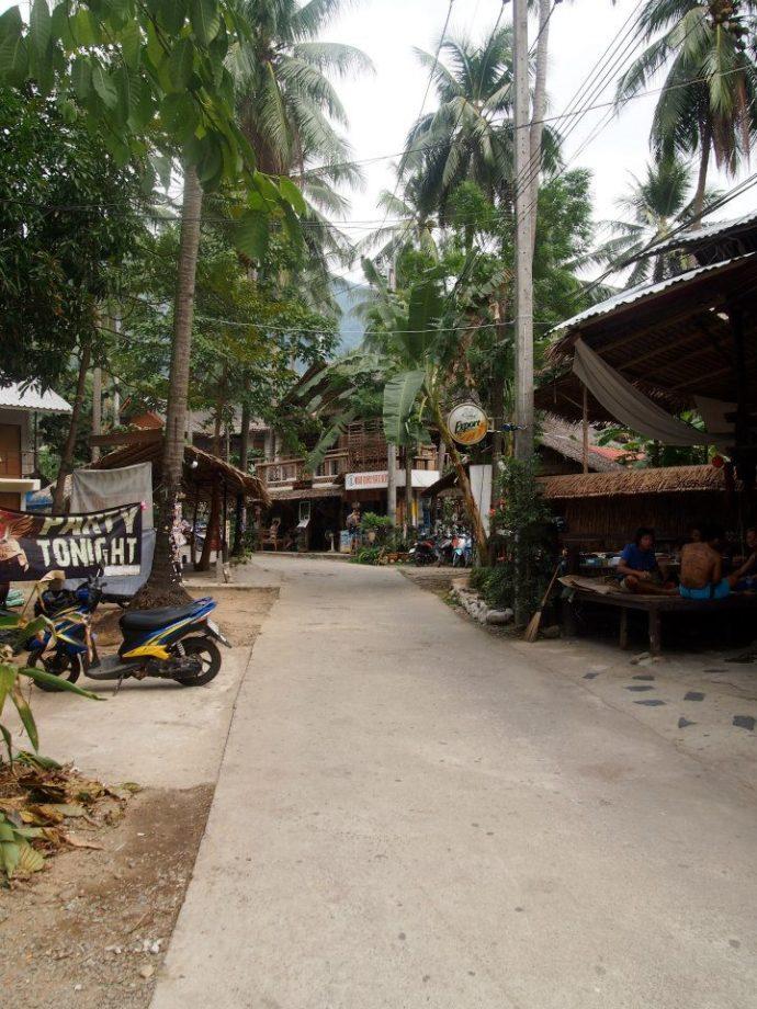 the narrow streets of koh chang